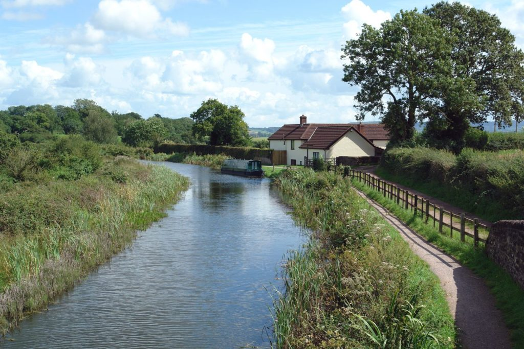 Valley House Canal Bank in Halberton, Devon