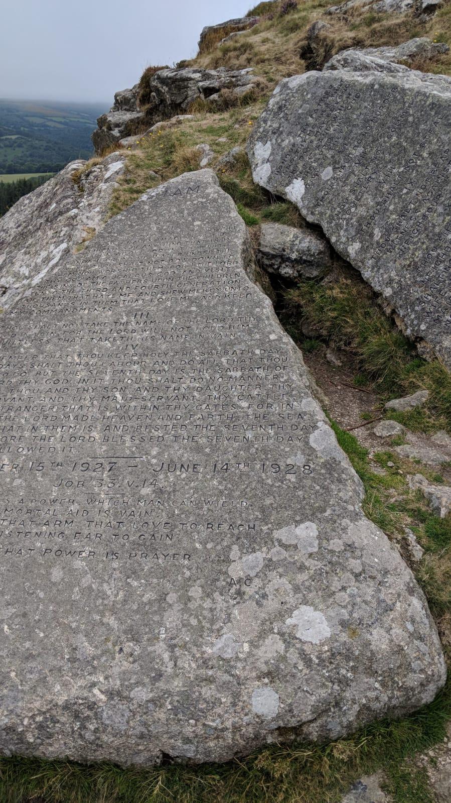 10 commandments stones