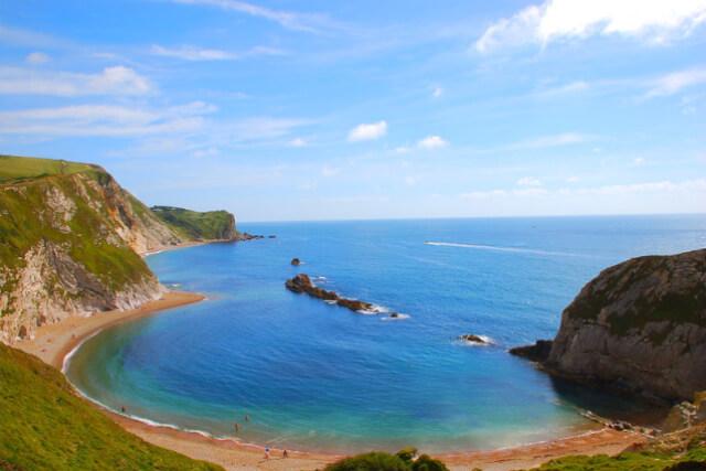 lulworth-cove-beach-dorset
